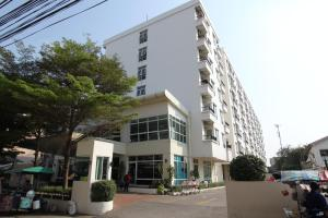 The Royal Bee Aparthotel - Ban Chuat Plai Mai