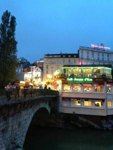 Appart'hôtel Saint Jean, Residence  Lourdes - big - 37