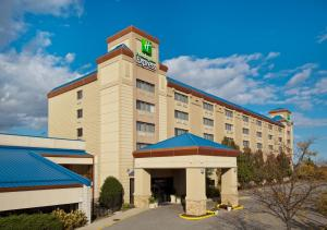 Holiday Inn Express Chicago-Pa..