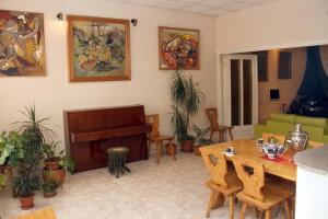 Central Apartment, Ferienwohnungen  Jerewan - big - 12