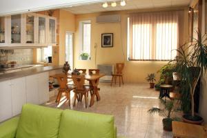 Central Apartment, Ferienwohnungen  Jerewan - big - 20