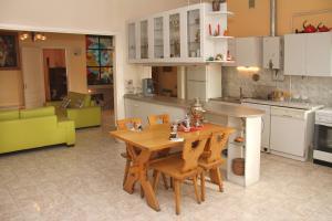 Central Apartment, Ferienwohnungen  Jerewan - big - 25