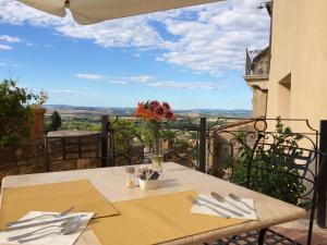 Castello Delle Serre, Bed and breakfasts  Rapolano Terme - big - 56