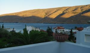 Studios Villa Lontorfou Andros Greece