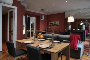 Location gîte, chambres d'hotes Maison d'hôtes Bordeaux Centre Le Patio de l'Intendance dans le département Gironde 33