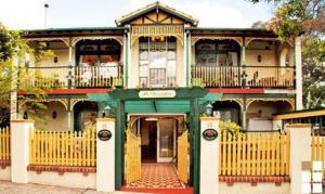 Charrington Hotel - Sydney