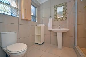 Saffron Guest House, Penziony  Johannesburg - big - 38