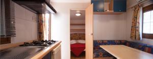 Wohnmobil mit 2 Schlafzimmern (4 Erwachsene)