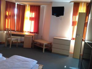 Hotel Oldenburger Hof, Отели  Биркенфельд - big - 10