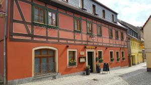 Gasthaus& Pension Zum Roten Haus - Kleinhennersdorf