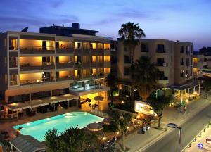 Hostales Baratos - Saint Constantine Hotel