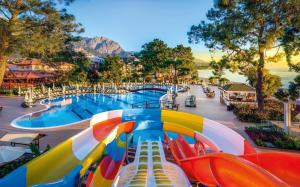 Crystal Aura Beach Resort & Sp..