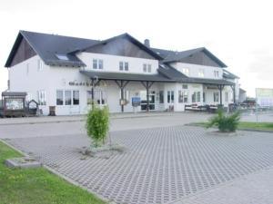 Hostales Baratos - Hotel und Gasthaus Rammelburg-Blick