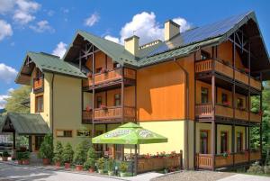 Pensjonat Lira - Hotel - Krynica