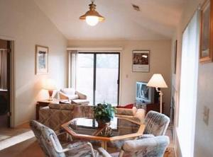 Quail Hollow One Furnished Apartments - Columbia
