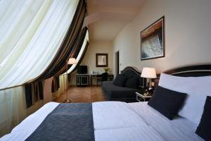 Elysee Hotel