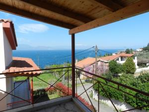 Villa with Sea View (6 Adults)