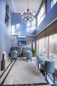 Raymond Blue Hotel