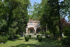 The Villa Averoff - Nerotriviá