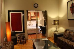 Saffron Guest House, Penziony  Johannesburg - big - 19
