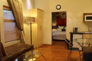 Saffron Guest House, Penziony  Johannesburg - big - 25