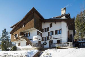 Villa Casanova - Stayincortina - AbcAlberghi.com