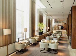 Four Seasons Hotel Toronto (28 of 49)