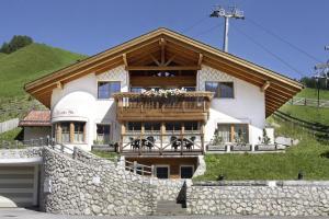 Chalet Alt - BelaVal Apartments - AbcAlberghi.com