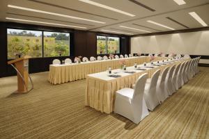 Hilton Bangalore Embassy GolfLinks (12 of 56)