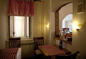 Guesthouse Maksimilian, Guest houses  Osijek - big - 63