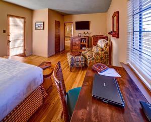 Hacienda Del Sol Guest Ranch Resort (1 of 41)