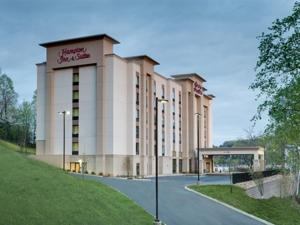 Hampton Inn & Suites - Knoxville Papermill Drive, TN - Hotel - Knoxville