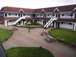 The Town & Country Lodge