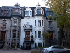 Gingerbread Manor - Accommodation - Montréal