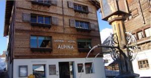Familienhotel Alpina - Hotel - Brigels