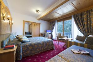 Alpen Hotel Corona, Hotely  Vigo di Fassa - big - 4