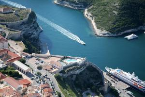 Location gîte, chambres d'hotes Hotel Genovese dans le département Corse du Sud 2a