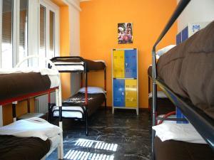 Hostel California - AbcAlberghi.com
