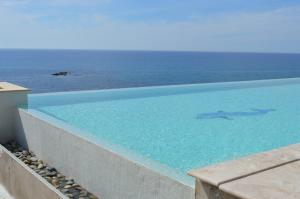 Beach Villa Pantheon, Vily  Pomos - big - 43