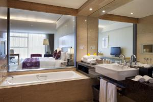 Crowne Plaza Tianjin Binhai, Hotely  Tiencin - big - 37