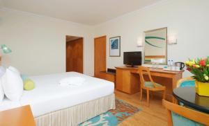 Coral Beach Resort Sharjah, Курортные отели  Шарджа - big - 22