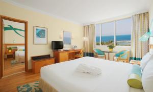 Coral Beach Resort Sharjah, Курортные отели  Шарджа - big - 23