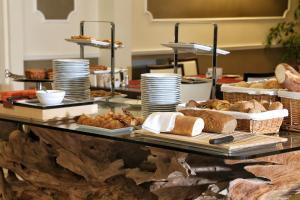Hotel Villa Capri, Hotel  Gardone Riviera - big - 48