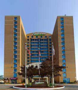 Radisson Suites Hotel Toronto Airport, Szállodák  Toronto - big - 22