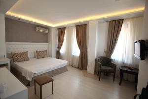 Large Single Room Grand Harsena Otel