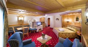 Alpen Hotel Corona, Hotely  Vigo di Fassa - big - 57