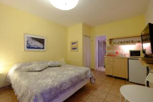 Gil's Guest Rooms, Гостевые дома  Неве-Зоар - big - 37
