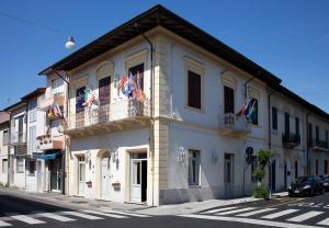 Hotel La Petite Maison - AbcAlberghi.com