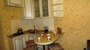Cameră dublă deluxe (2 adulţi + 1 copil) Appartment Grecheskaya 45/40