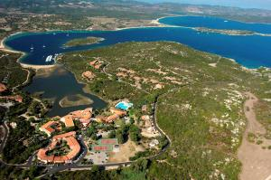 AHR Costa Serena Village - AbcAlberghi.com